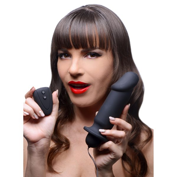 This phallic shaped vibrating plug has powerful vibration and an ample size to fill them up. Control the 10 sizzling vibration patters with the wireless remote