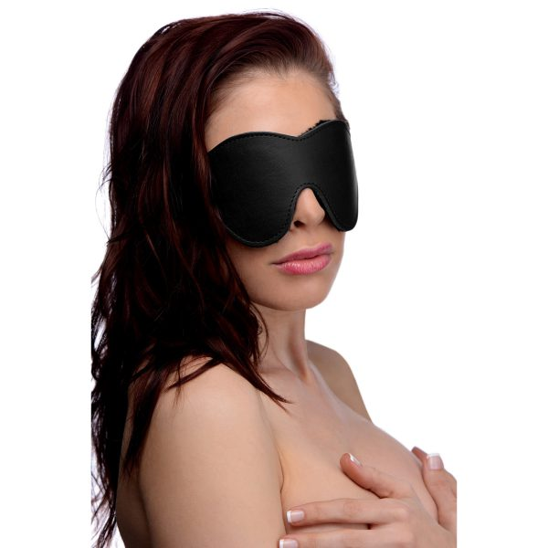 Deprive your lover of one of their most essential senses when you slip this luxuriously comfortable blindfold over their eyes. The soft fleece interior will feel lush and sensual on their face. Without their sight