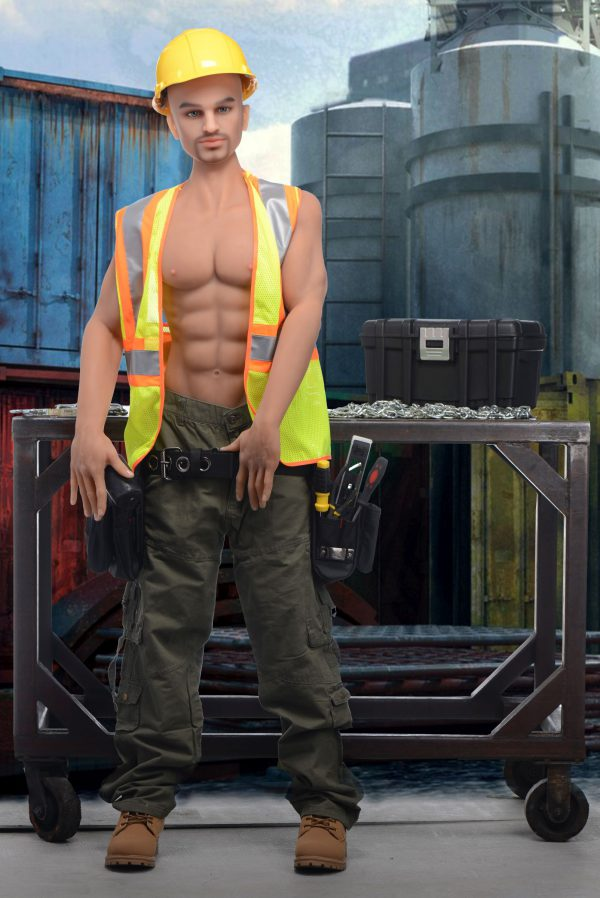 A strong jaw speckled with stubble and a body that is no stranger to manual labor... this construction worker knows how to handle a tool and fill a hole. Contract Brett to work for you and he will have no problem getting the job done. But there always seems to be something that needs fixing