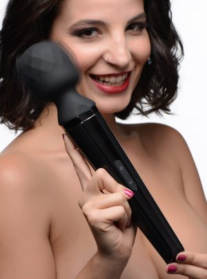 Relax into an elevated massage experience with the perfect vibrating wand. As implied by its name