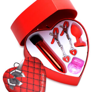 Gift yourself and your lover with this Passionate set of delights! Everything you need for a night of passion is included in this heart shaped box: nipple clamps with heart shaped weights