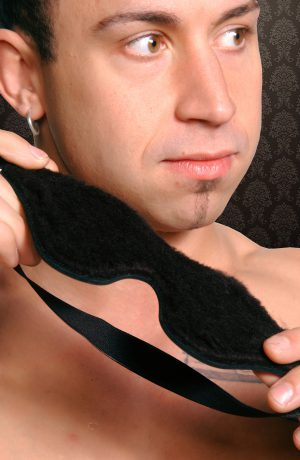 Blind your partner in comfort with the Strict Leather Black Fleeced Lined Blindfold. This blindfold is one size fits all and has a elastic band the secures the fleece lined blindfold to your head.