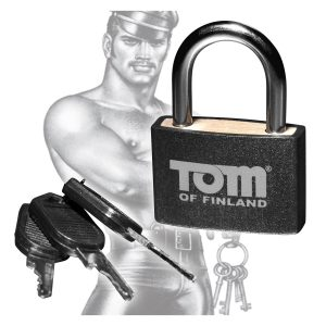 This solid body padlock is a blend of lightweight materials and sturdy metal