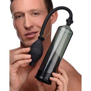 This penis pump is ideal for beginners who want to increase the size of their cock. The device creates a tight vacuum seal around the penis